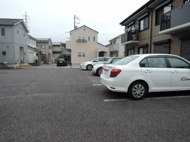 Lits House 駐車場