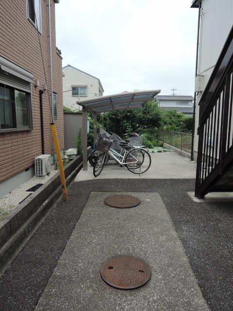 Lits House 駐輪場