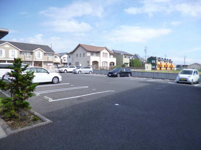 メルヴェール 駐車場