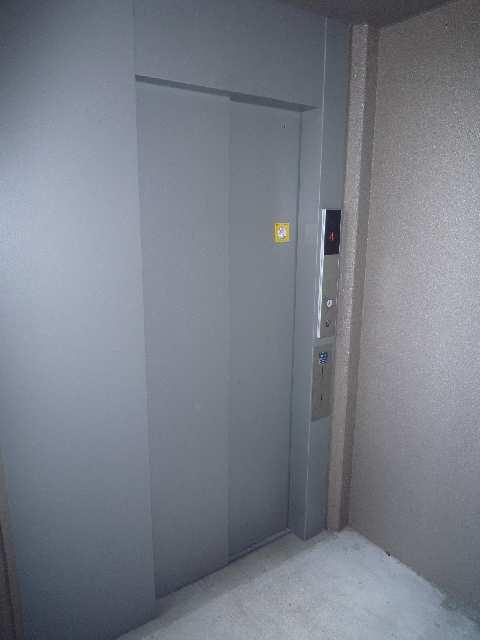 SKY COURT PREMIER エレベーター