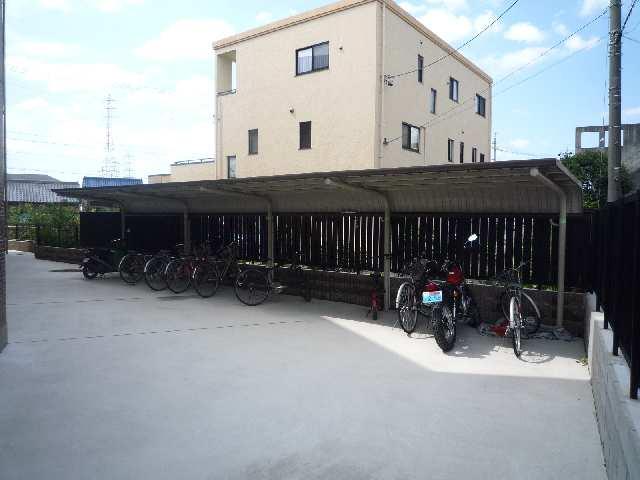 SKY COURT PREMIER 駐輪場