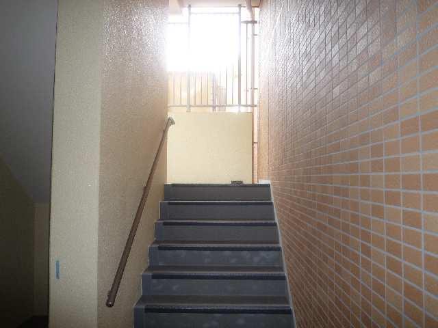 シャトー・カネハラB 階段