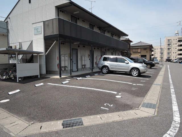 クレストポイント 2階 駐車場