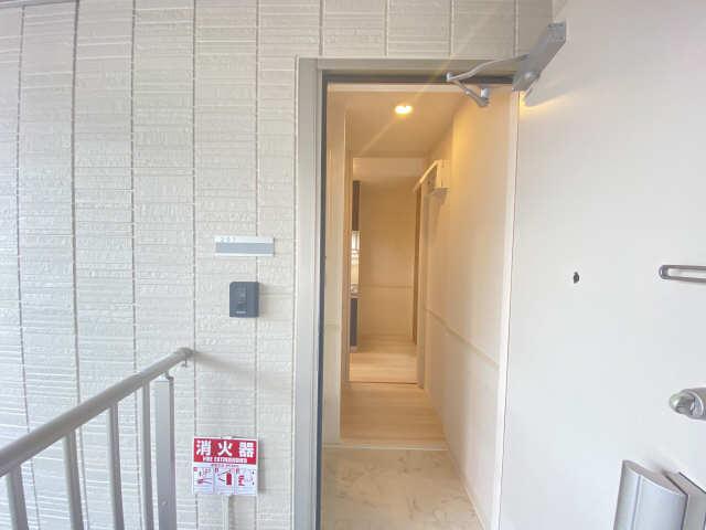 リュミエール桜木町 2階 玄関