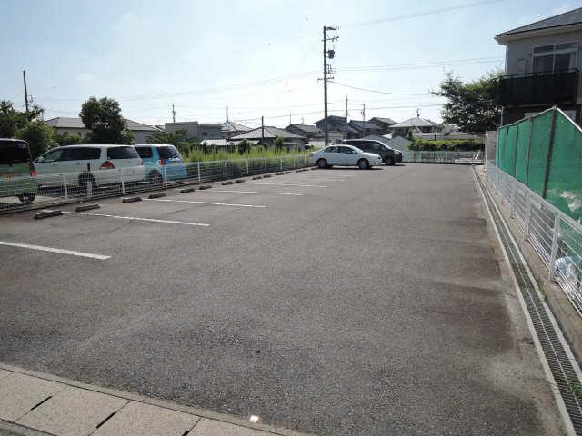 パークヒルズ札木 A棟 駐車場