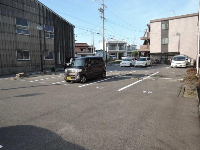第2グリーンハイツ斉藤 駐車場