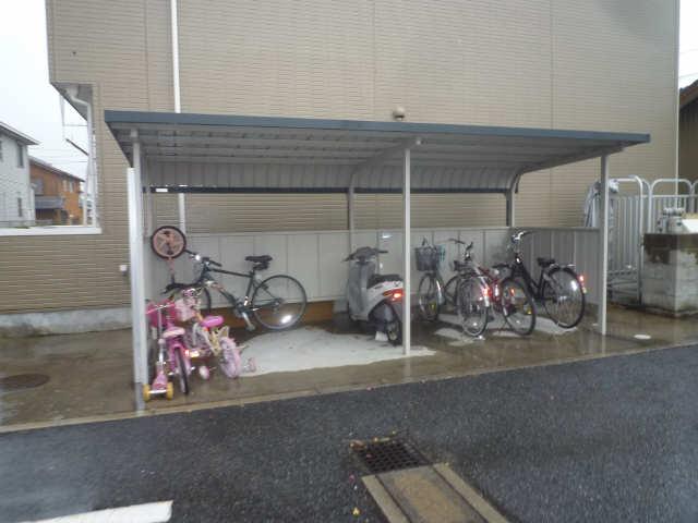 エバーグリーン 駐輪場