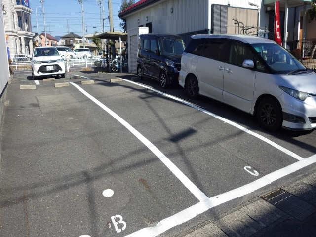 エルグランディール 駐車場