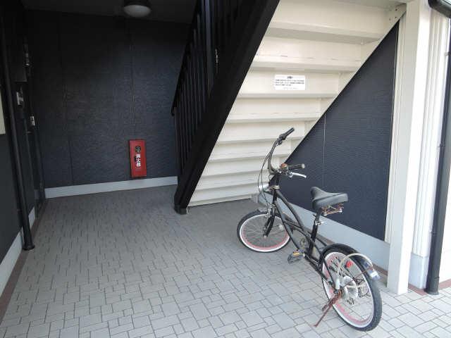 フォーレス羽塚C 駐輪場