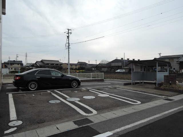 ジュネス美彩Ⅱ 駐車場