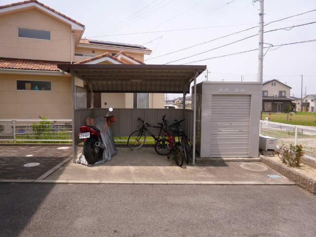 レガートM 駐輪場