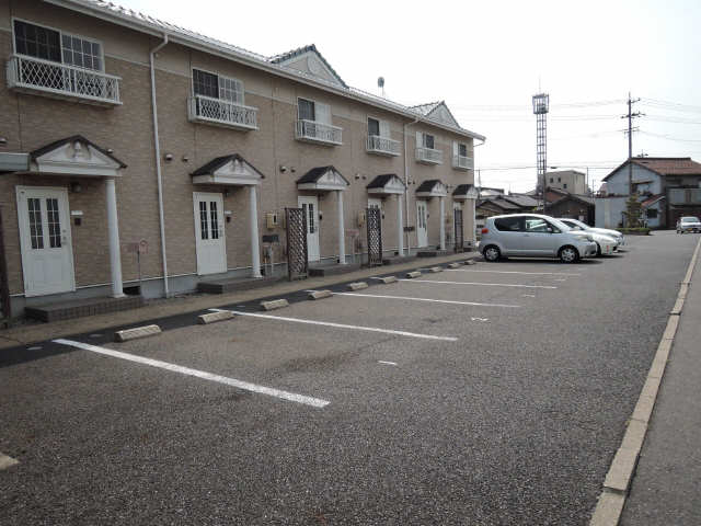 Chez-Soi西山 駐車場