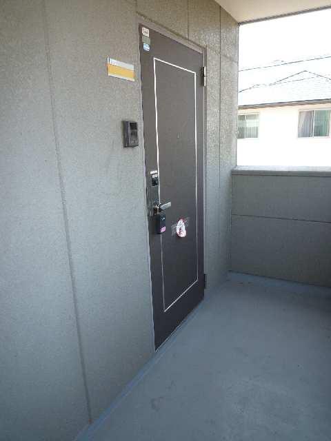 ラ・フローラ 202玄関前