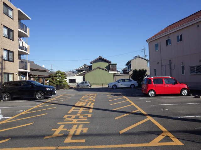 Residence華  駐車場