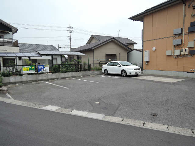 DS・N 駐車場
