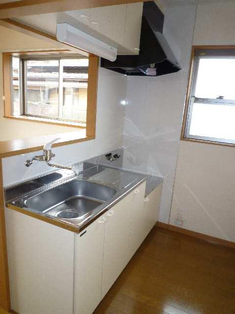 クレストコート笹山Ⅱ 101キッチン