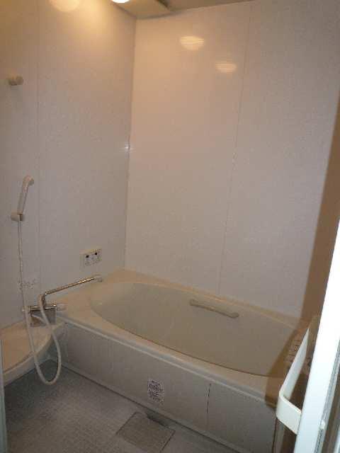 クレストコート笹山Ⅱ 101浴室