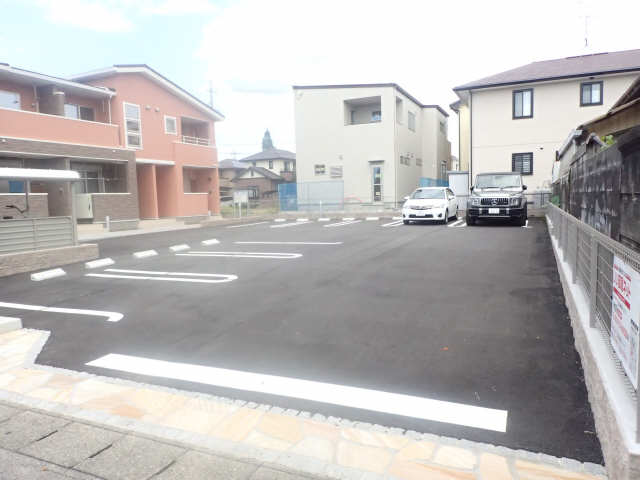 エアリーウッド 駐車場