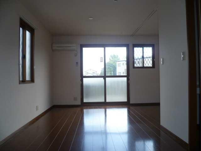 アムールイワタ 1階 室内