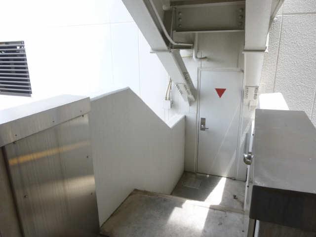 アーバンドエル八事石坂 11階 駐車場入口