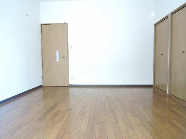 アーバンドエル八事石坂 1階 室内