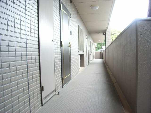 メゾン八事 4階 共用廊下