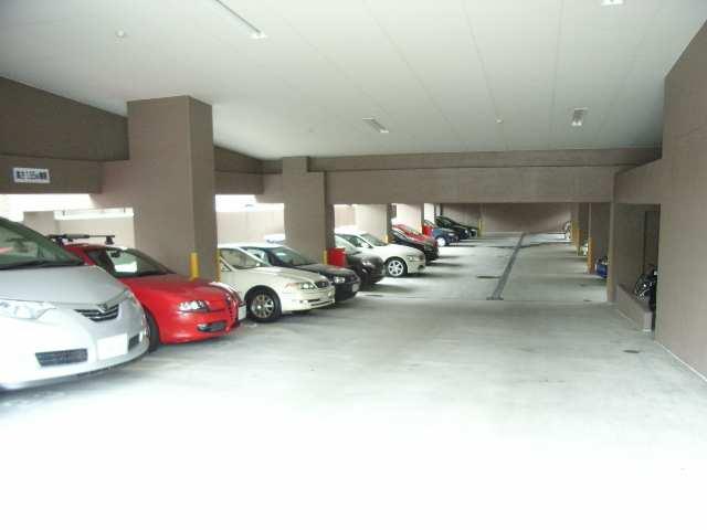 メゾン八事 4階 駐車場