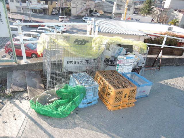 パークグラシア 1階 ゴミ置き場