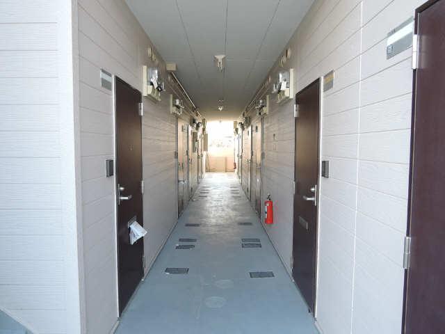 パークグラシア 1階 共用通路