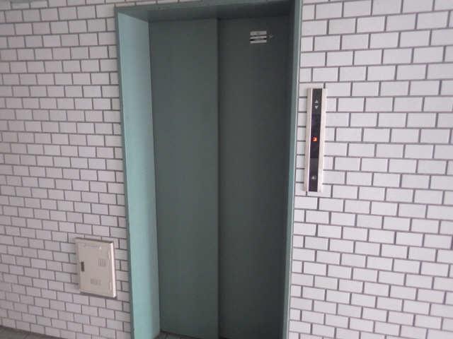 エトアール津 1階 エレベーター