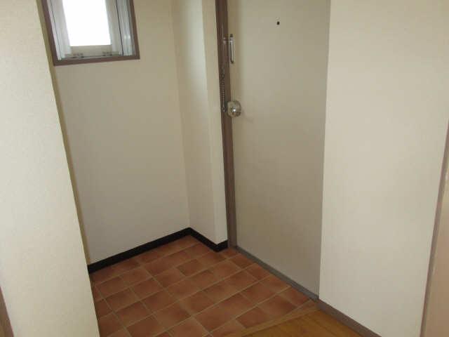 エトアール津 1階 玄関