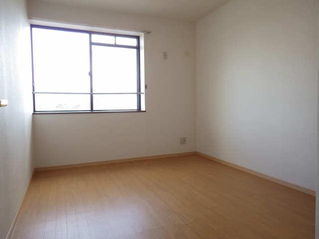 サーフサイドサンシャインN 3階 洋室