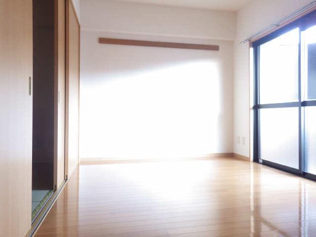 サウスヒルズA棟 2階 室内