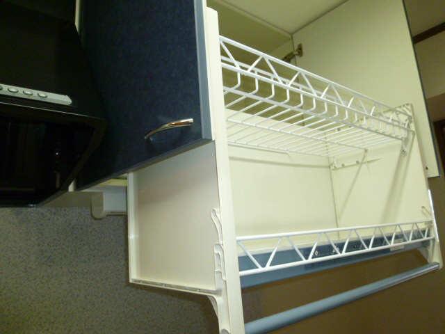 昇降式食器棚
