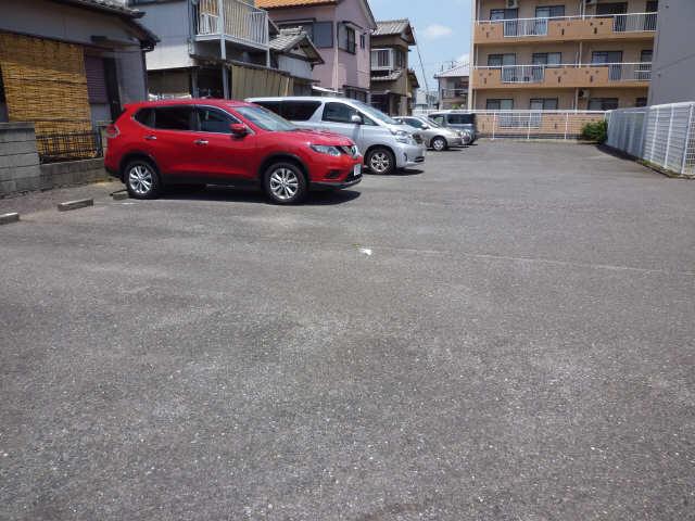 津IN COURT練木ノースコート 3階 駐車場