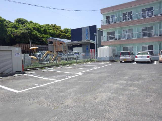 グリーンコーポ 2階 駐車場