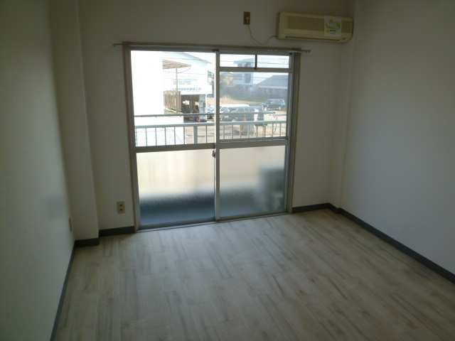 グリーンコーポ 2階 室内