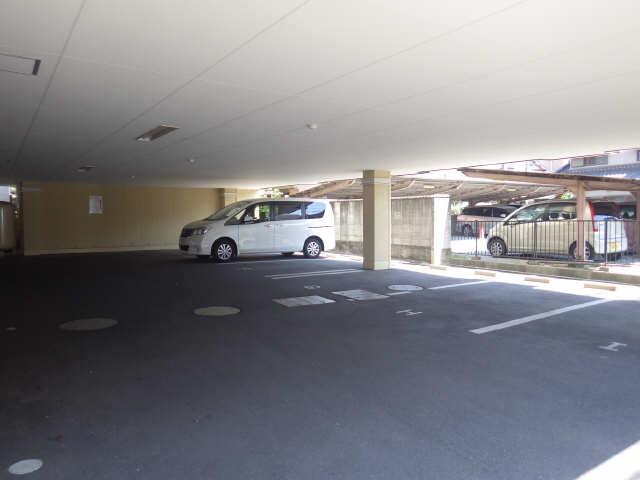 SHALOM SQUARE 2階 駐車場