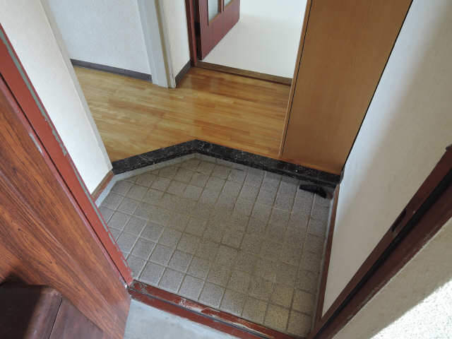 パビリオン松濤B棟301号室 3階 玄関