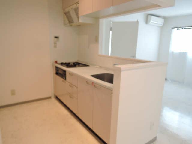 ウッドベルステージ 1階 キッチン