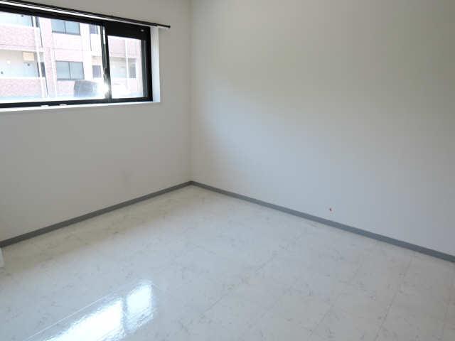 ウッドベルステージ 1階 室内