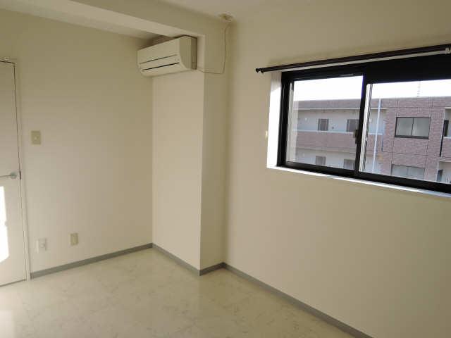 ウッドベルステージ 3階 洋室
