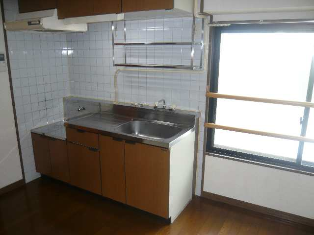 ファミール・ヨコイ 1階 キッチン