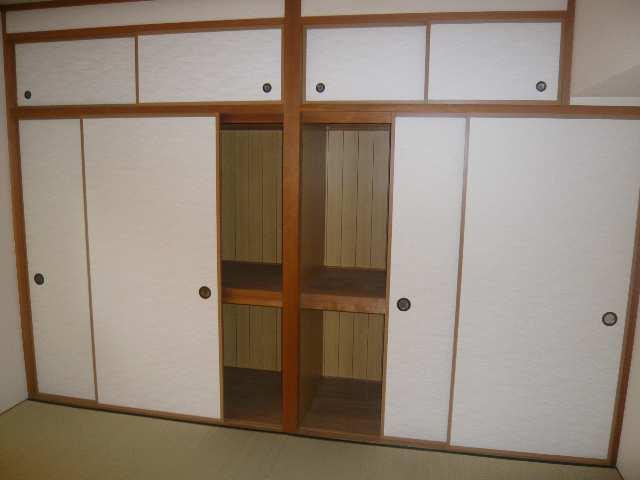ファミール・ヨコイ 1階 収納