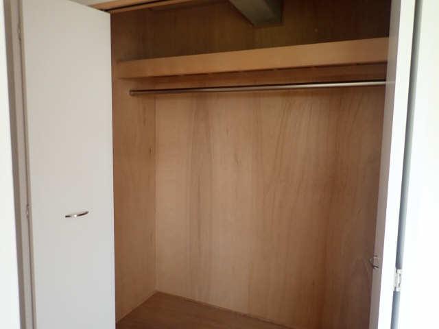 ヒルサイド竹の山 2階 収納