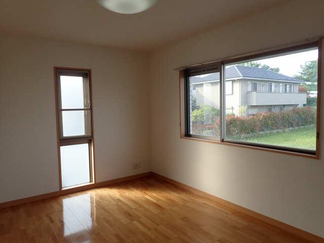 ヒルサイド竹の山 2階 洋室