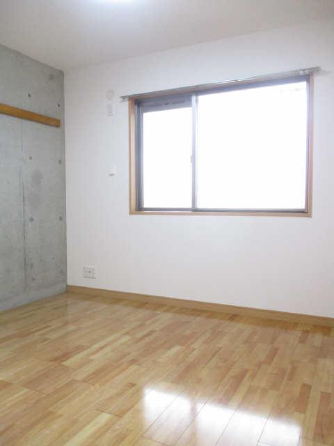 ヒルサイド竹の山 2階 室内