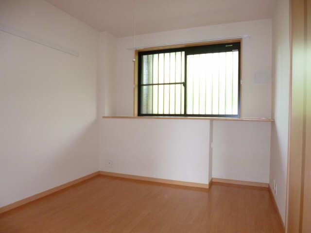 レジデンスXYZ 2階 室内
