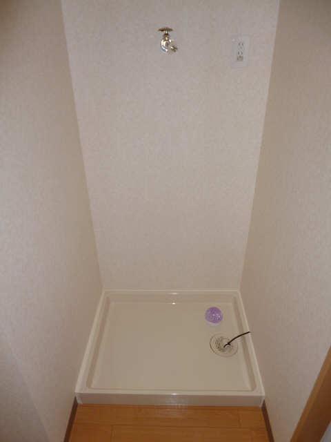 レジデンスXYZ 2階 洗濯機置場