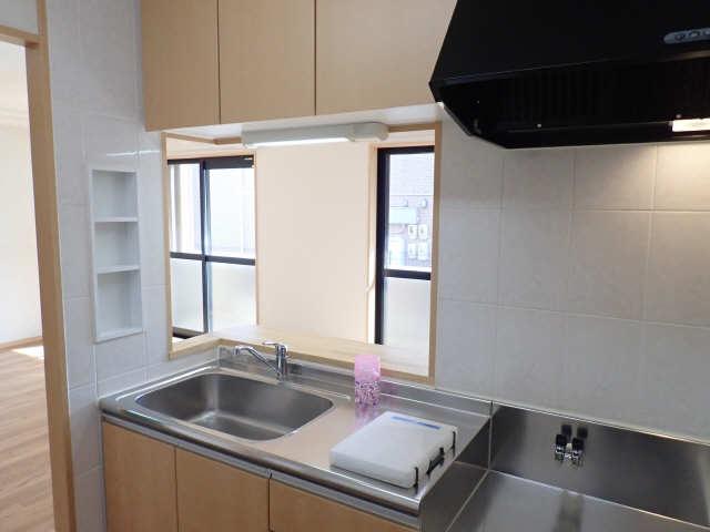 レジデンスXYZ 1階 キッチン